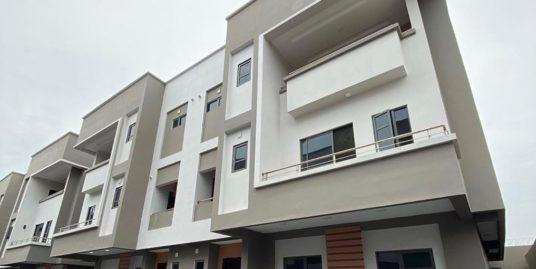 5 Bedroom Terrace