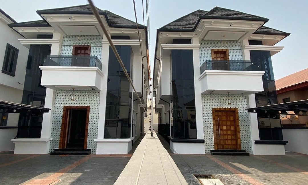 property_showroom_1___B_pprucnF1k___