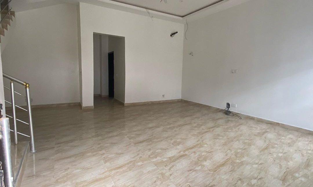 property_showroom_2___B_dXc7Bn6NO___