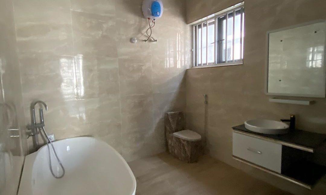 property_showroom_4___B_pprucnF1k___