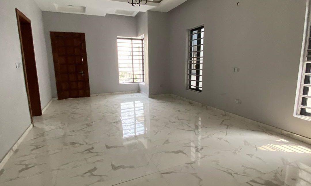 property_showroom_5___B_pprucnF1k___