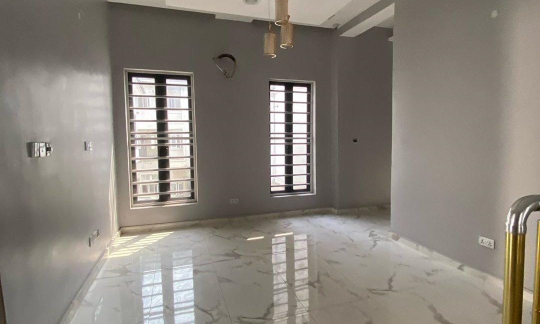 property_showroom_6___B_pprucnF1k___