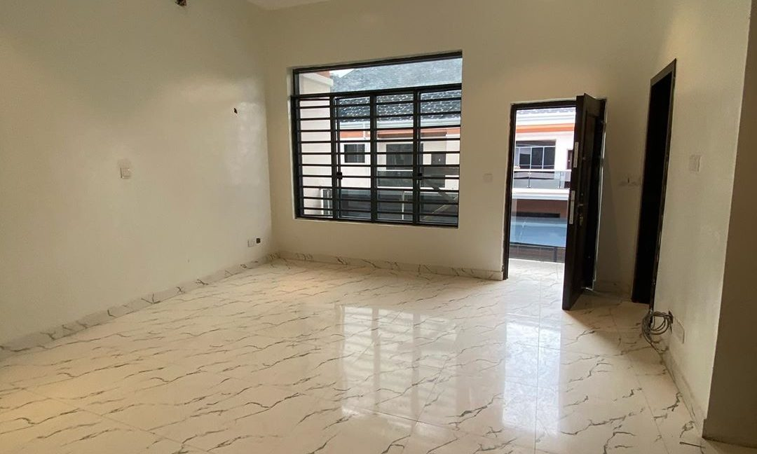 property_showroom_7___B_dXc7Bn6NO___