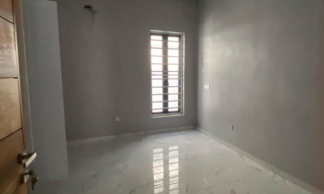 property_showroom_9___B_pprucnF1k___